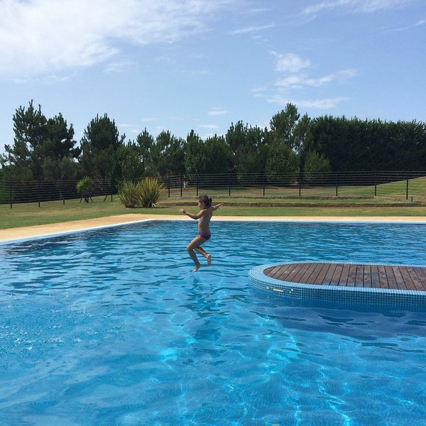 Nice studio with shared pool & Wifi, holiday rental in Travassos