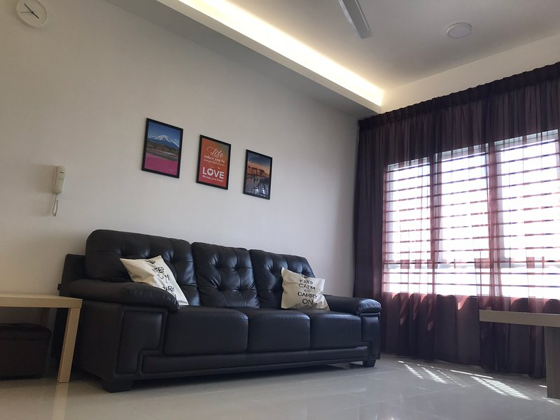 Cozy J'Suite at Southville City with Covered Carpark, holiday rental in Nilai