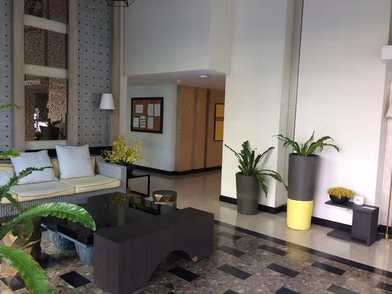 Resort-style studio condominium with swimming pool view, holiday rental in San Phranet