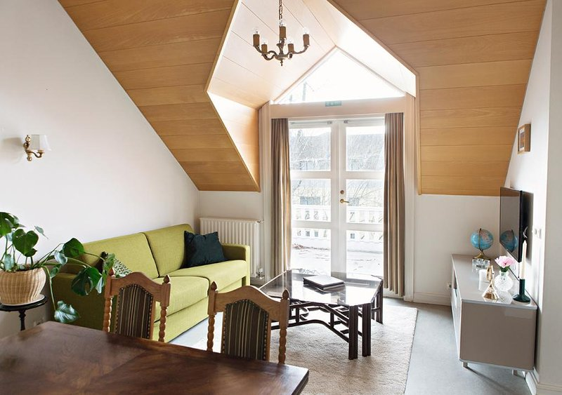 Brattagata Guesthouse, 2 bdr top floor, vacation rental in Seltjarnarnes