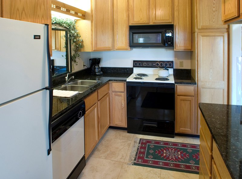 Cook up a storm in the full kitchenette.
