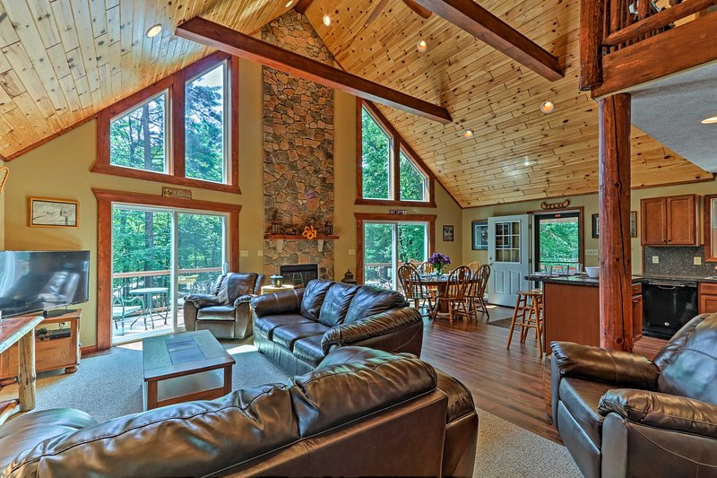 Claim this 5-bed, 3-bath vacation rental home as your next Lake Harmony getaway!