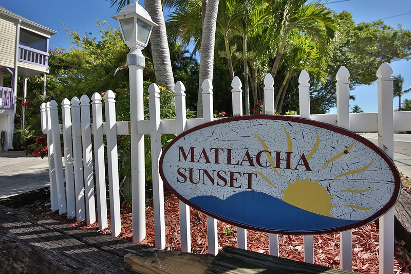 Book your trip to 'Island Getaway' at Matlacha Sunset today!