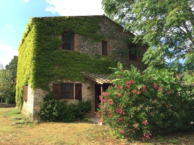 Silenzio e relax per famiglie e coppie nelle campagne dellUmbria, casa vacanza a Amelia