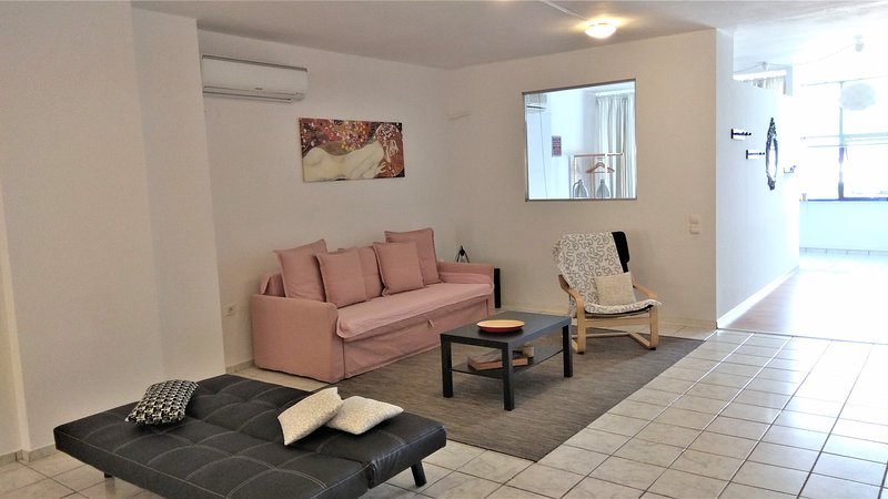 Driopon Apartment. Feel at Home When You're Away.