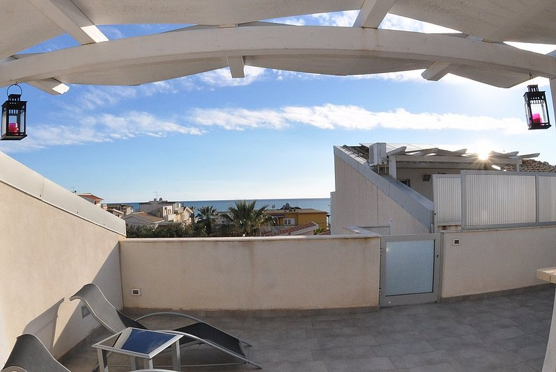 Appartamento Odisseo B, vacation rental in Punta Braccetto