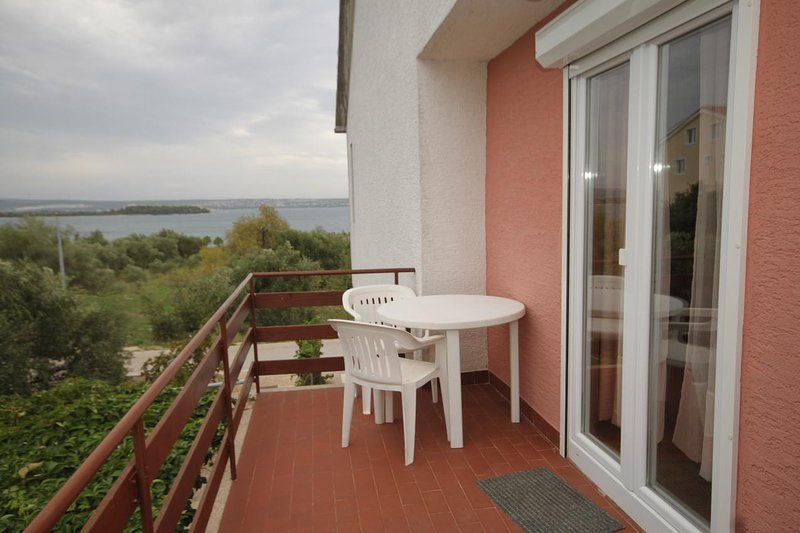 Ugrinici Apartment Sleeps 7 with Air Con - 5468214, holiday rental in Kraj