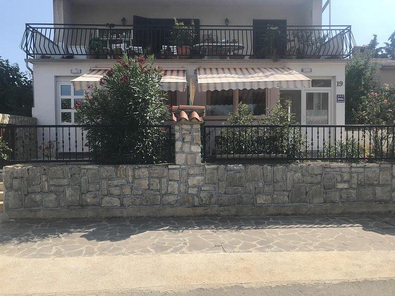 One bedroom apartment Varvari, Poreč (A-12731-a), location de vacances à Antonci