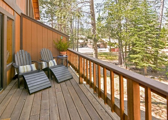 Comfortable Tahoe Donner Gem w/ Deck - Access to 5-Star Amenities, holiday rental in Truckee