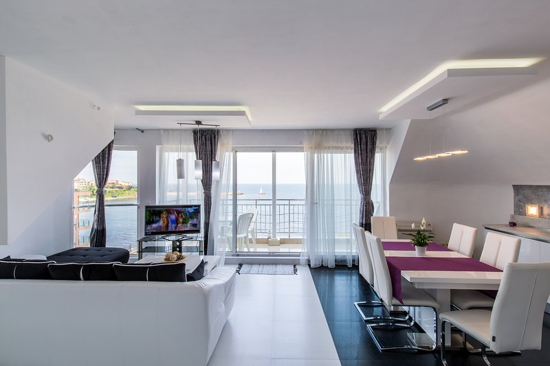 Neopolis Penthouse, vacation rental in Ahtopol