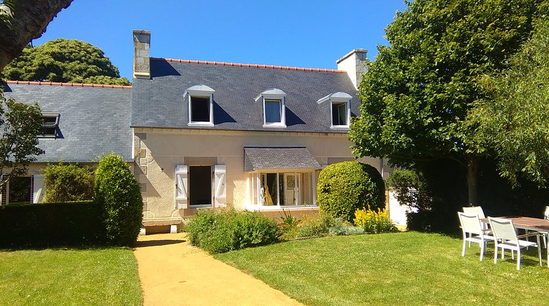 Nossa casa: uma casa de excelente longère bretão de 150 m2 recentemente renovado