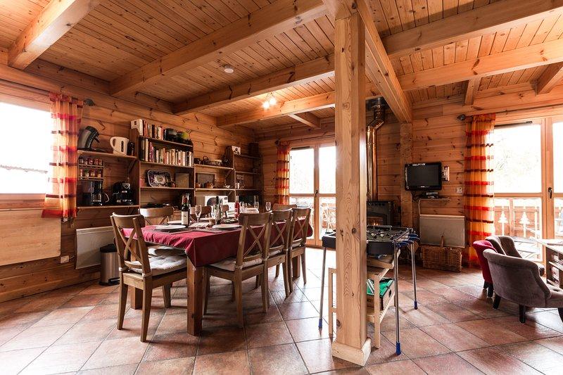 LES CHALETS DE CELINE - Chalet Céline - La Joue du Loup, holiday rental in Les Cotes-de-Corps