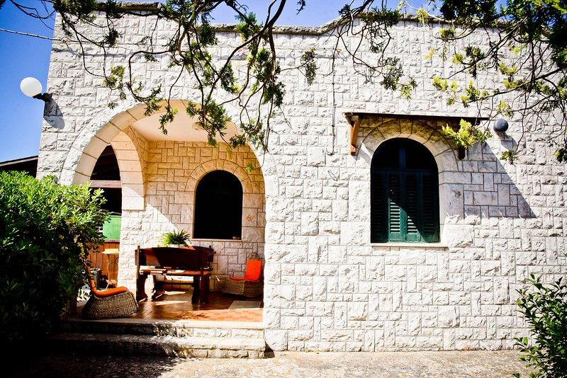 villa bellocchio: casa vacanze, ideale per un soggiorno in totale relax........, location de vacances à Marinelli