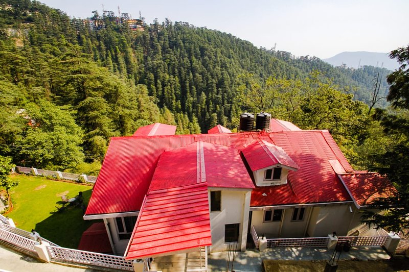 WISPERING PINES - Room 3, holiday rental in Shimla