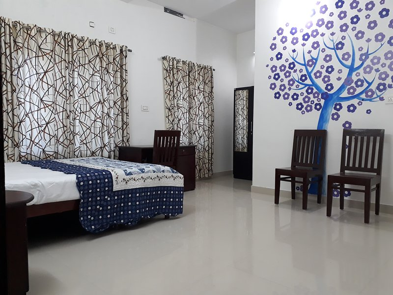 Palm Bay Beach Residency-Deluxe Bed Rooms, holiday rental in Varkala Town