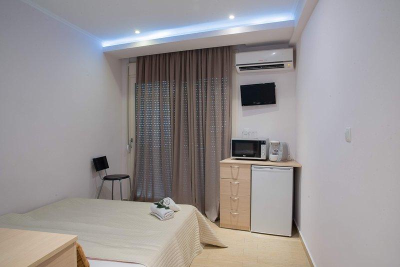 Anna's Rooms, holiday rental in Mesoropi