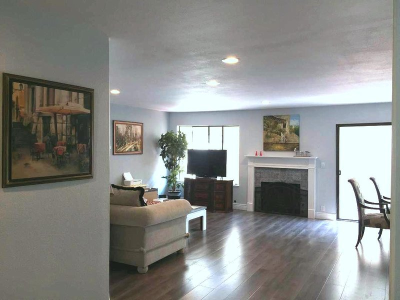 Modern 3 bed/2.5Bath townhome near Apple, alquiler de vacaciones en Cupertino