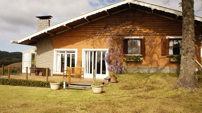 Refúgio Inglês no Alto da Montanha, holiday rental in Campos Do Jordao