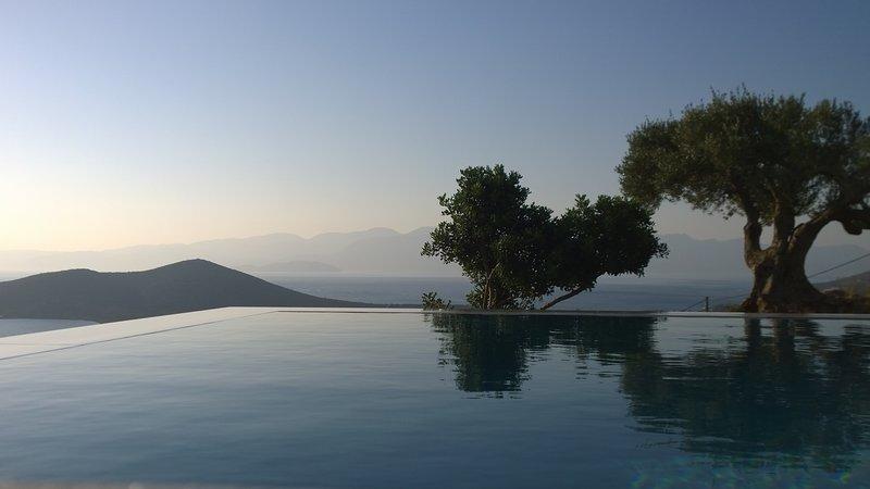 Villa & swimming pool,panoramic view Spinalonga, Mirabello, Kolokhita, Elounda, holiday rental in Agia Paraskevi