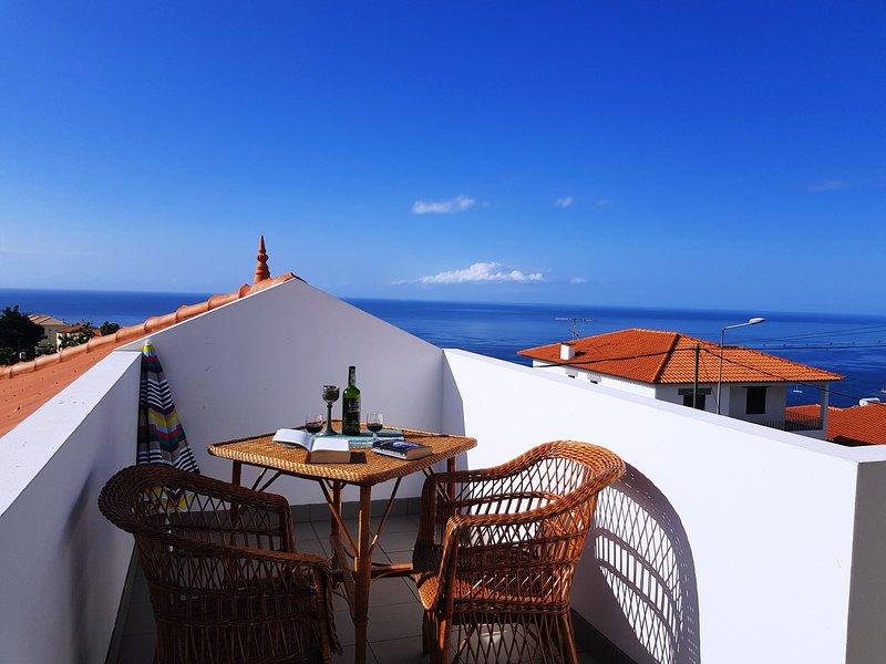 Villa Dragoeiro - Spacious, with panoramic views over the sea and mountains, alquiler de vacaciones en Sao Goncalo