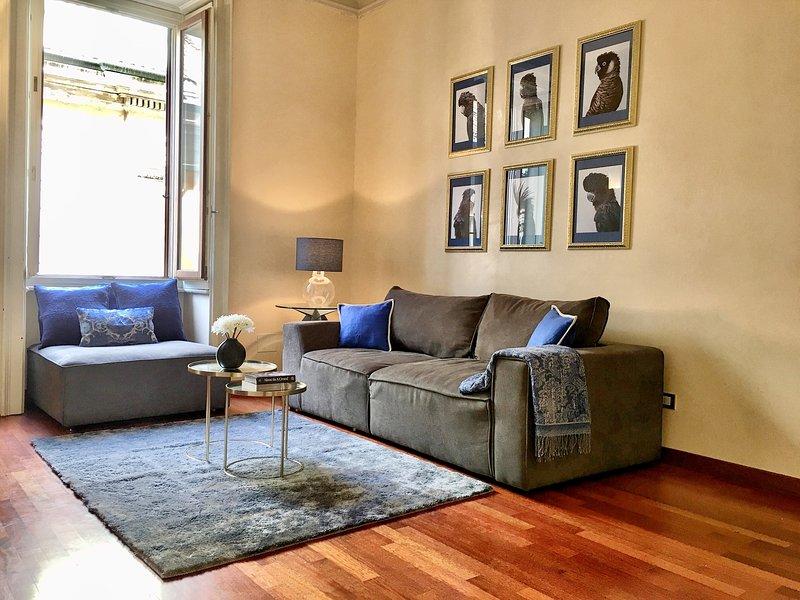 Luxury City Center Apartment - Milan, holiday rental in Milan