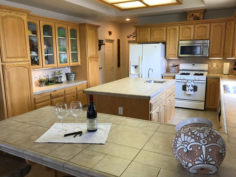 Large kitchen with 2 dine-at bars