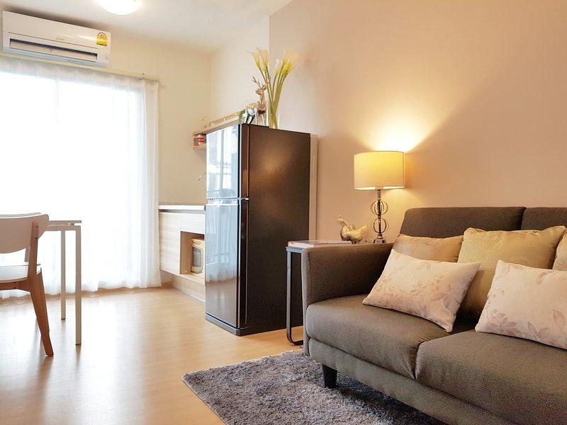 Cozy residence 10 mins to DMK airport, holiday rental in Lam Luk Ka