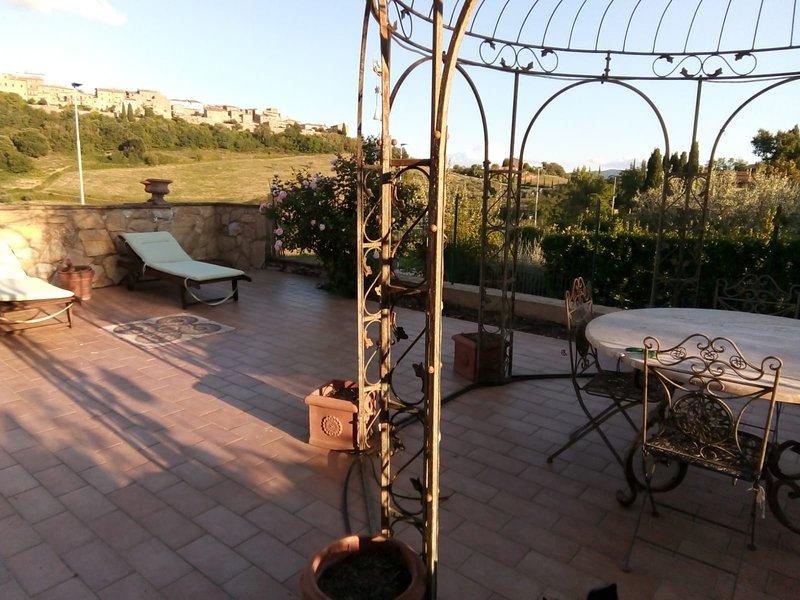 Tuscan Romantic House, Ferienwohnung in Casole d'Elsa