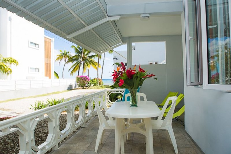 Abri-Côtier (Haven on the beach): Nautile, holiday rental in Trou aux Biches
