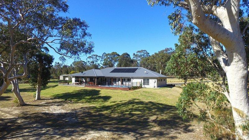 Jervis Bay Country Retreat - Rural family retreat!, vakantiewoning in Tomerong