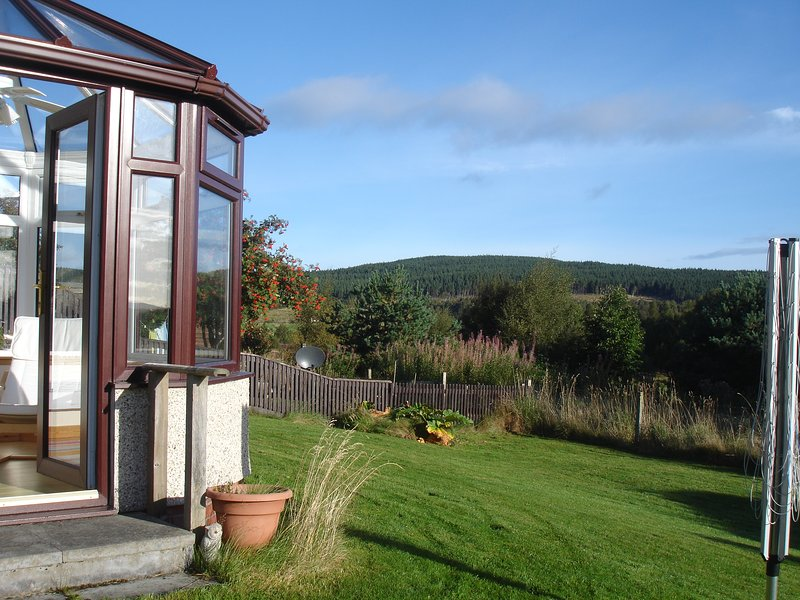 Cairngorms National Park peaceful semi-detached 2 bedroom property, holiday rental in Carrbridge