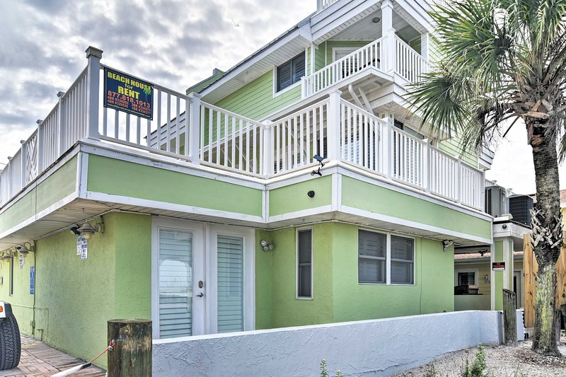 This quaint Clearwater Beach cottage has everything you need!