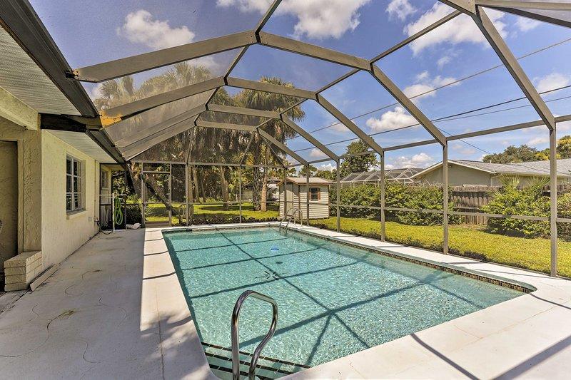 Réservez votre évasion à Port Charlotte dans cette maison de vacances de 3 chambres et 2 salles de bain!