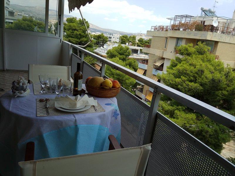 Varkiza top floor cozy apartment near the sea, vacation rental in Varkiza