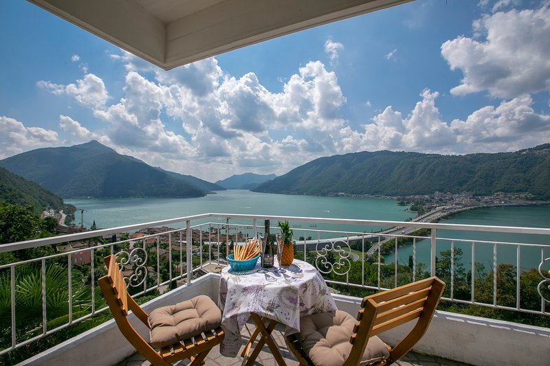 Balcony with an amazing view of the lake