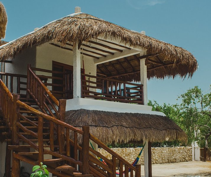 Depto. La Vista - 2 blocks away from the beach!, holiday rental in Chiquila
