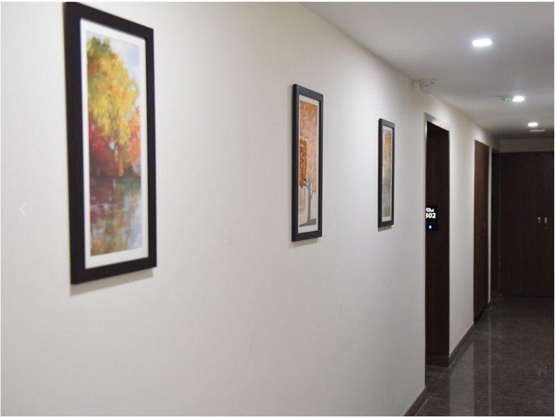 Aiyara Comforts (Superior Double Room 5), holiday rental in Bilekahalli