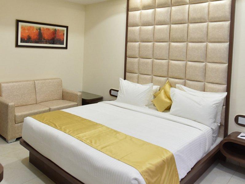 Aiyara Comforts (Standard Double Room 5), holiday rental in Bilekahalli