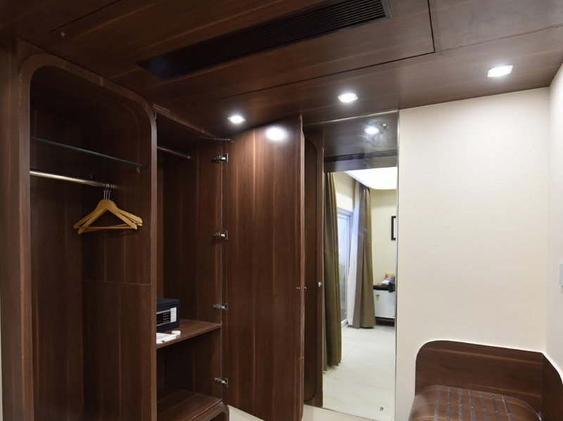 Aiyara Comforts (Large Double Room 4), holiday rental in Nelamangala