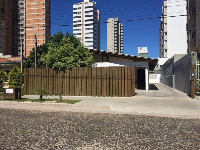 Casa Larrosa - Estúdio 1, holiday rental in Passo de Torres