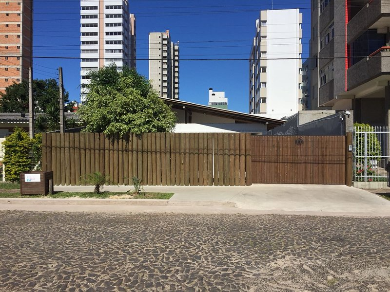 Casa Larrosa - Estúdio 2, holiday rental in Passo de Torres