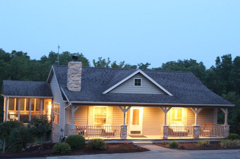 Un hogar encantador y confortable para disfrutar de todo lo que Galena tiene para ofrecer. 4 habitaciones (10), 4 baños,