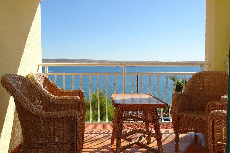 Vidalici Apartment Sleeps 4 with Air Con - 5469530, vacation rental in Vidalici