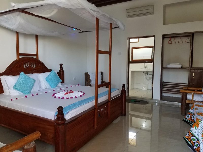Baraka Beach Bungalows - Deluxe Double Room 1, holiday rental in Nungwi