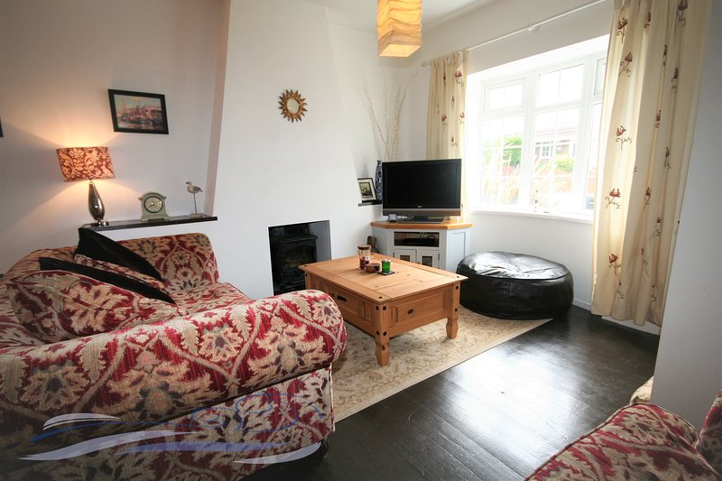 Three-bedroom Victorian family home - Mumbles, vacation rental in Swansea