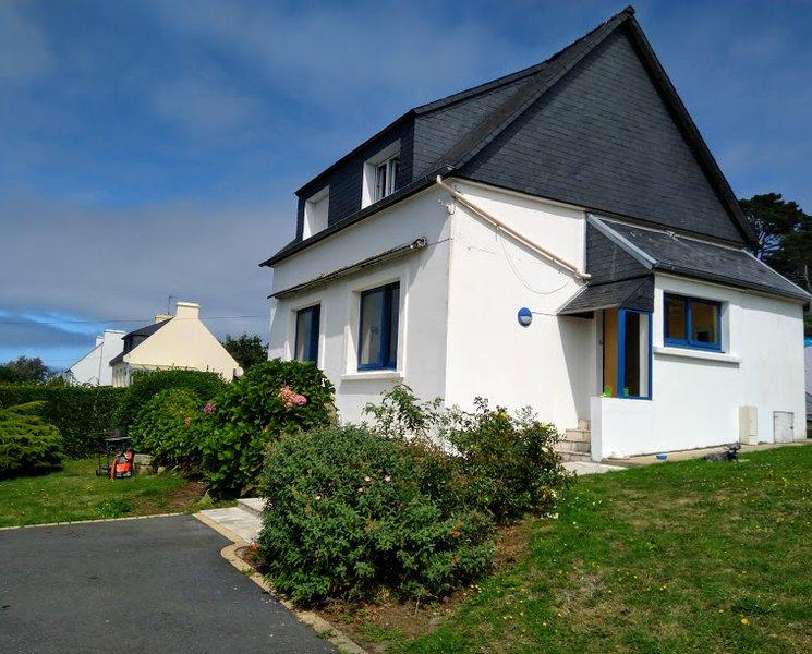 Location Vacances Plouguerneau: Maison vue sur mer, accès plage, holiday rental in Plouguerneau