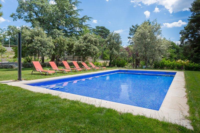 Finca con piscina en la sierra de Guadarrama, alquiler vacacional en Manzanares el Real