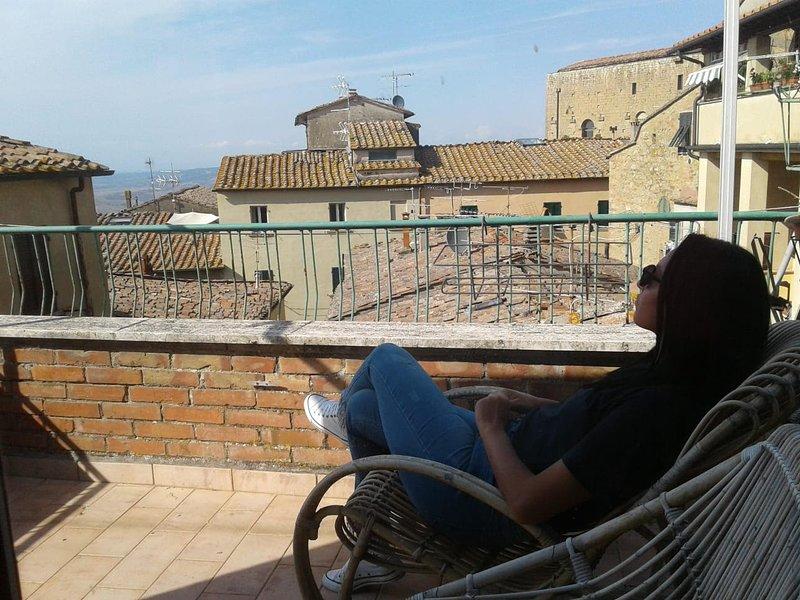 L'Orologio - Appartamento con vista, holiday rental in Volterra