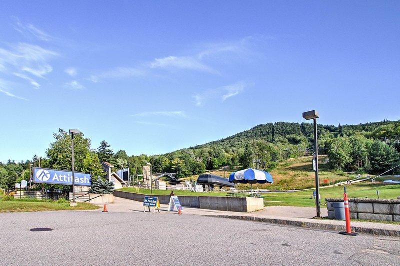 La maison de ville est à distance de marche de Attitash Mountain Resort!