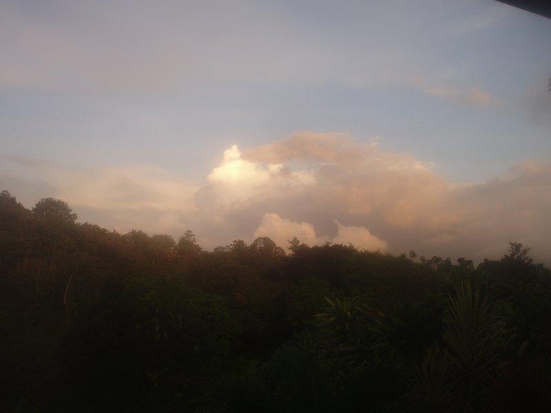 Gast-Terrasse - Sonnenuntergangwolkenreflexion